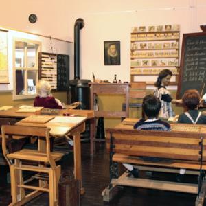 Kijk en Luistermuseum en Oranjetocht Birwa Tours