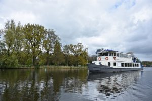 Paasmaandag Rondvaart Loodsrechtse Plassen en de Vecht - Birwa Tours
